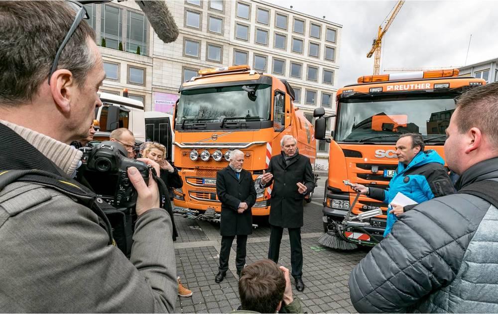 Ensayo En Stuttgart: Limpiar Las Calles Contribuye A Reducir El Polvo En La Atmósfera